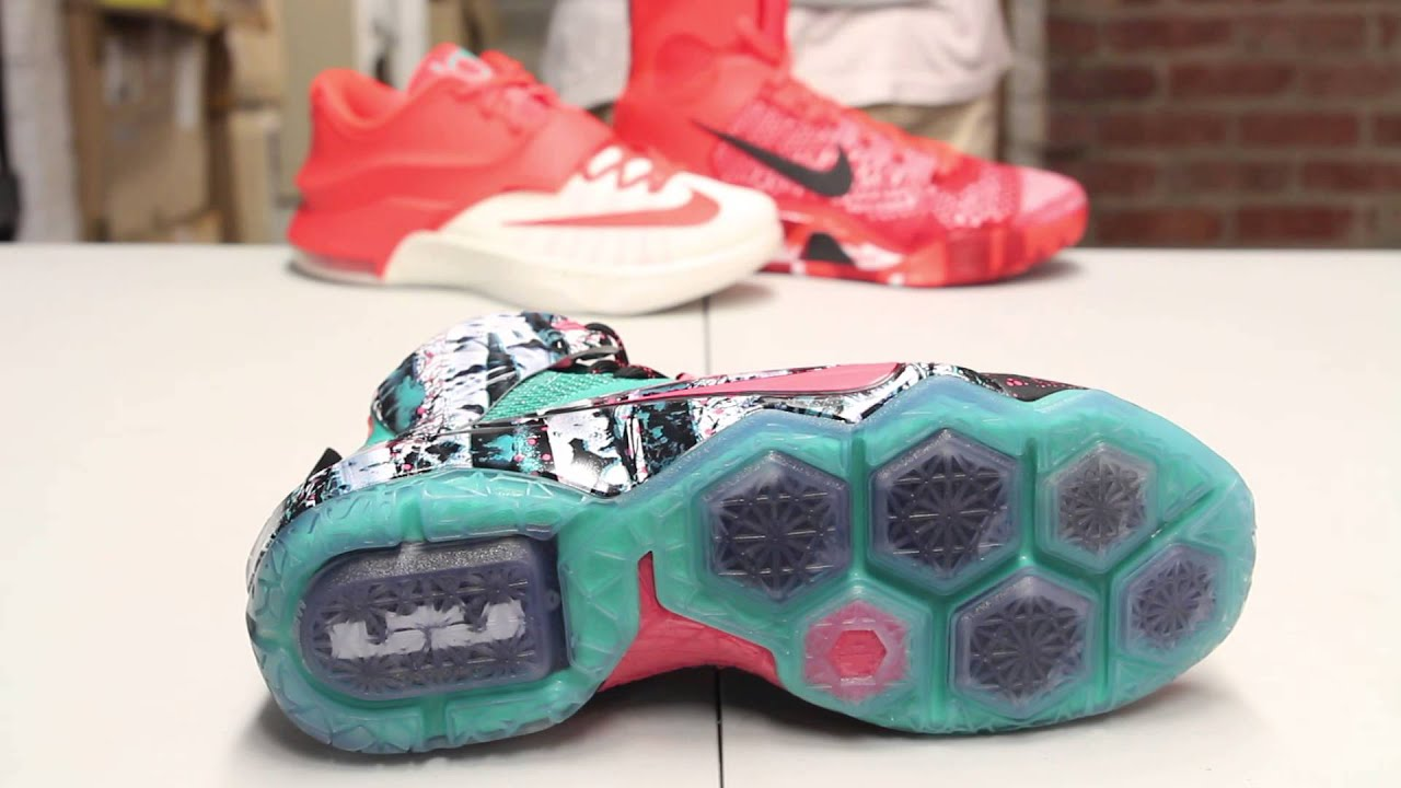 a4ca7791fb50fa Nike Lebron XII