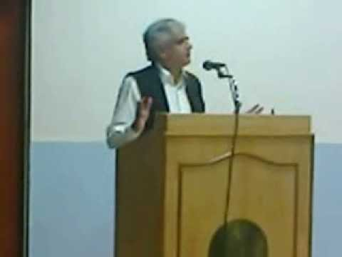 P. Sainath delivers T G  Narayanan memorial lecture  at CLT, IIT Madras on 13th Dec 2013