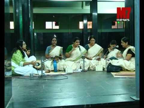 bhakthiganasudha at ATTUKAL TEMPLE performing ARUNDHATI and BHAVANA RADHAKRISHNAN