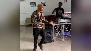Poco Lee dancing firi Yahoo