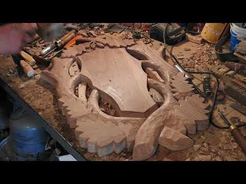 Model suport sculptat