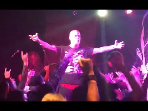 PHILIP H. ANSELMO & THE ILLEGALS play Pantera classics in Texas Becoming/I'm Broken and more..
