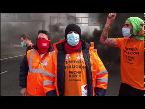 Trabajadores de Alu Ibérica cortan una de las salidas de A Coruña