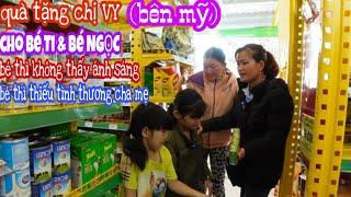 Chị VY (Bên Mỹ) Tặng Sữa Bánh Kẹo Và Đồ Chơi Cho B.É Ti Và B.É Ngọc Nhân Dịp Năm Mới/Tập 620