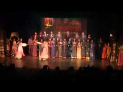 Hợp xướng ca ngợi Tổ quốc - Khai mạc văn nghệ 2.9(2009)