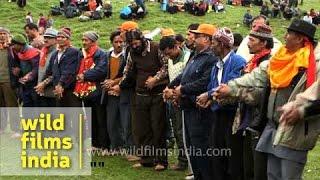 Devotees sing devotional song en route Homkund - Nanda Devi Raj Jat Yatra
