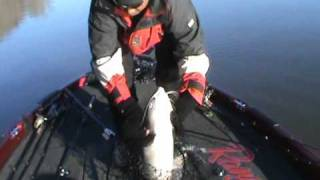 """On the Water""-Crankbait and Shakey Head.wmv"