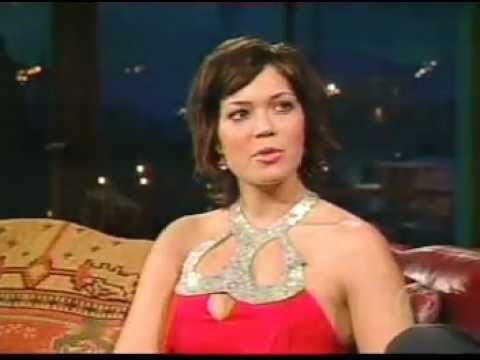Mandy Moore - Interview & Senses Working Over time Live @ Craig Kilborn (20030325)
