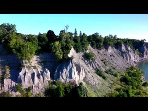 THE SCARBOROUGH BLUFFS with Gareth and Tammo and the Phantom 4 drones