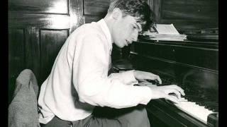 Glenn Gould - Mozart Sonata No. 12 in F major KV 332 - 1. movement