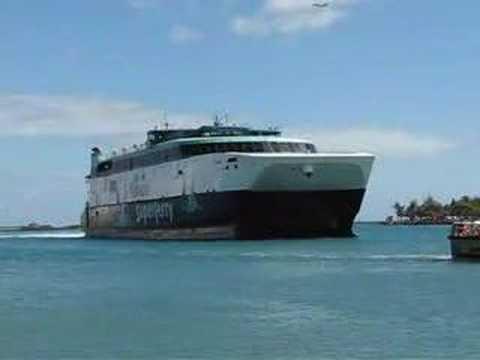 Hawaii Superferry arrives in Honolulu