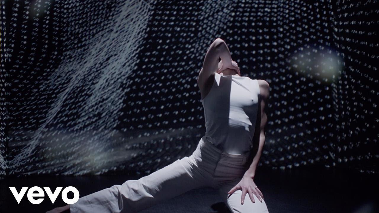 kan-wakan-still-feather-official-video-kanwakanvevo