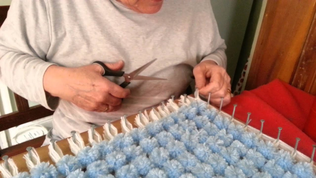 PomPom Blanket Part 5 - YouTube