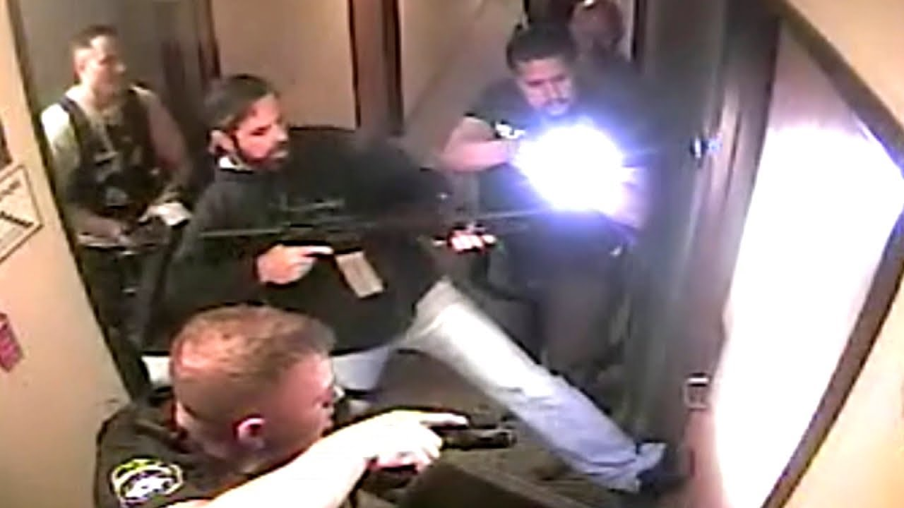 The Incredible Moment Police Rescue a Texas 8-Year-Old - Inside Edition