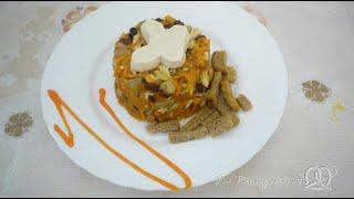 Салат с морковью, грибами, фасолью и курицей