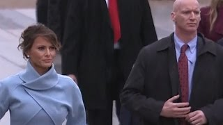 Did This Secret Service Agent Wear Fake Hand During Trump's Inauguration Parade?