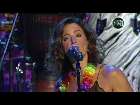 Jimmy Buffett and Sarah McLachlan - A Pirate Looks At 40