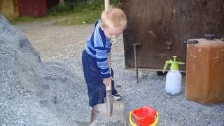 Смотровая яма из пеноблока(Гараж был куплен в 2009 году, в нем уже была маленькая смотровая яма толщиной в пол кирпича, боковые стенки..., 2015-03-09T12:46:05.000Z)
