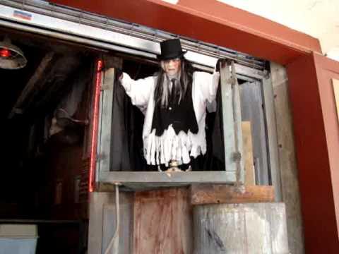 Tomb Rider- Ripleys San Antonio - YouTube