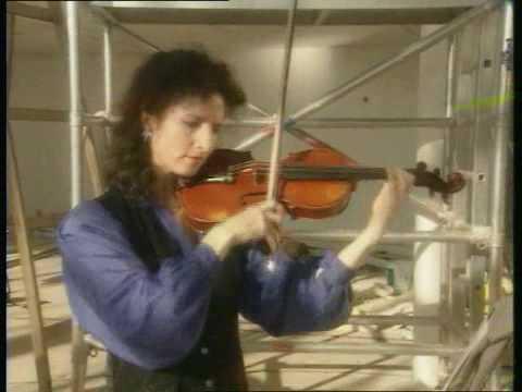 Madeleine Mitchell violin-Hen Wlad fy Nhadau/Welsh Anthem arr Pwyll Ap Sion at Techniquest.mov