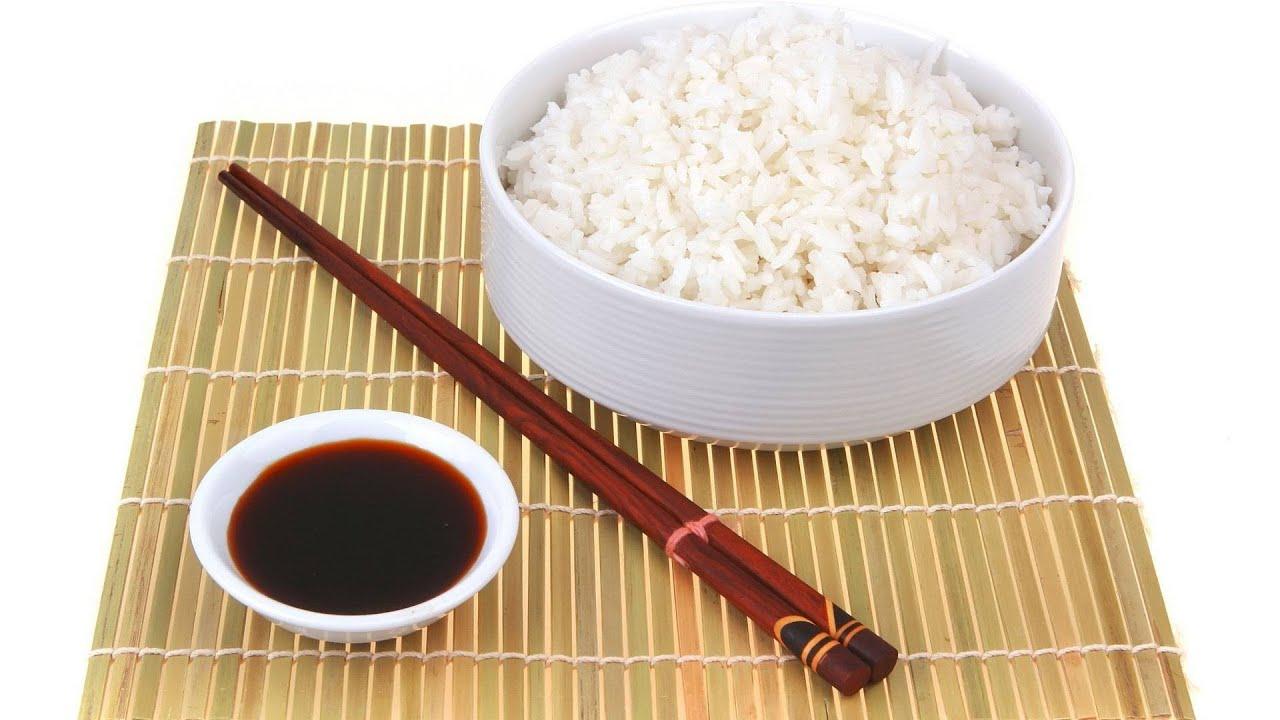Как правильно есть рис вилкой или ложкой