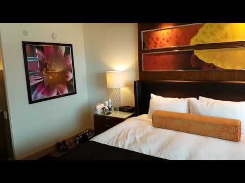 Mirage Hotel & Casino Las Vegas (Resort King Room - West Wing 19109) Room Tour 12th August 2017