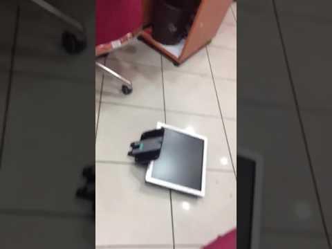 اعتداء وتخريب وكالة بنكية بمدينة العيون