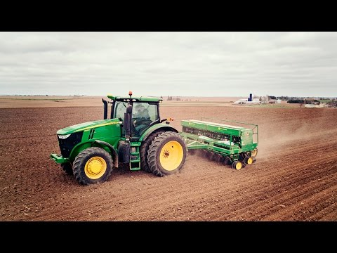 Sowing Oats - John Deere 7215R & 750 Seed Drill