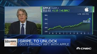 Slippery slope: Online privacy activist defends Apple's refusal to unlock iPhones for authorities