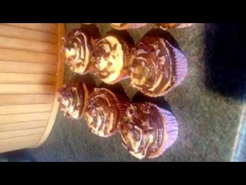Sparkly Chocolate And Vanilla Marble Cupcakes