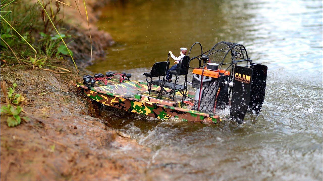 AIOJY 1 8 RC Boot Amphibious Transport Dock 5 km//h 6CH Fernbedienung Hovercraft Boot wasserdicht elektronische Hobby Spielzeug Weihnachten Geburtstagsgeschenk for Kinder und Erwachsene
