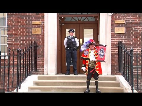 Unofficial town crier announces birth of royal prince