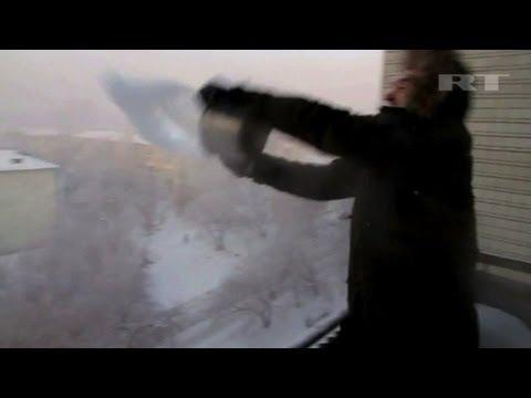 Von Heiß Auf Eis In Sekunden - Physikspaß In Sibirischer Kälte