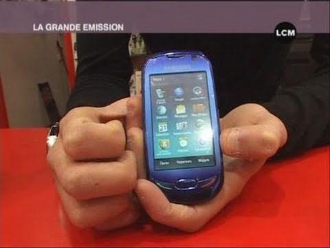 Blue Earth : premier téléphone solaire!