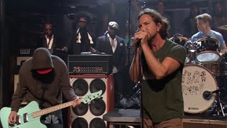 Pearl Jam - All Night (Late Night with Jimmy Fallon, 9/9/2011) [with the Roots]