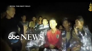 How did soccer players survive in Thai cave?