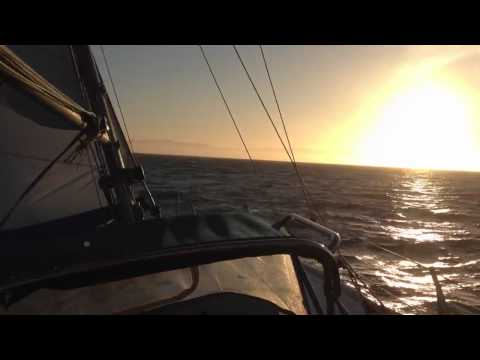 36' Columbia in 25kts wind