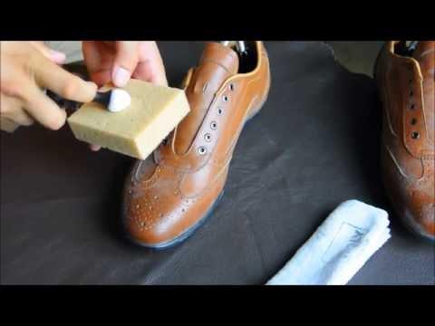 Cách làm sạch giày da, túi xách bị mốc