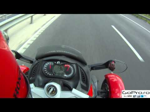Top speed on Can-Am Spyder, 2 onboard.mp4