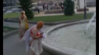 Дама в трусах на киевском майдане!