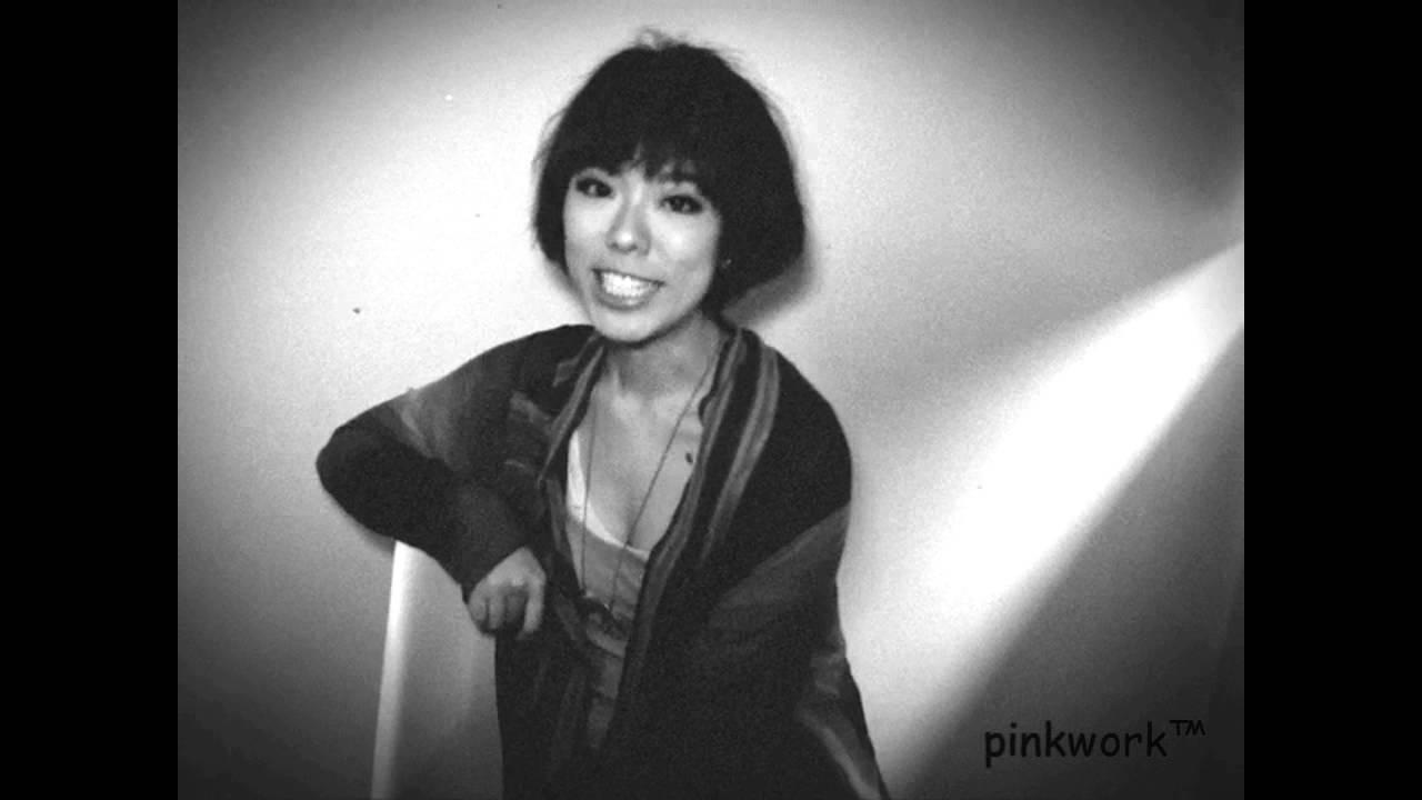 雷琛瑜J.Arie初次pinkwork拍攝..a hk singer-songwriter 's self-introduction 新歌及自我介紹 - YouTube