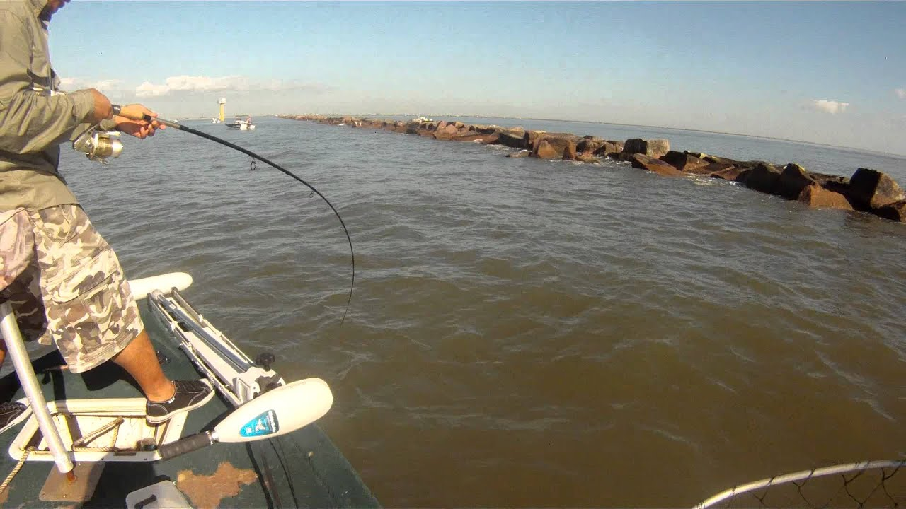 North jetties galveston youtube for Galveston jetty fishing report