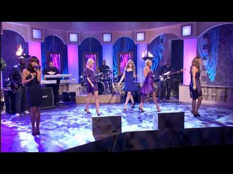 Girls Aloud - Call The Shots (Live @ Paul O'Grady Show 21/11/2007)