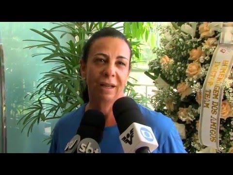 Corpo do atleta Cláudio Clarindo é velado em Santos - YouTube