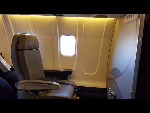 American Airlines CRJ700 First Class : Washington National to Charleston SC