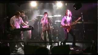 アニソン系カヴァーバンド 『vivid field』 による演奏で、中川翔子さん...