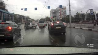 Драка на дороге в Новокузнецке(, 2015-09-21T04:53:17.000Z)
