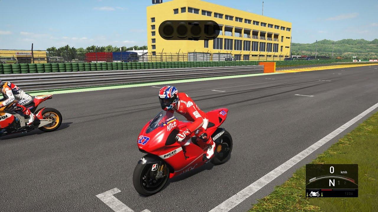 MotoGP 16 - Casey Stoner (DUCATI) 2007 - Valencia - REPLAY TV CAM - YouTube