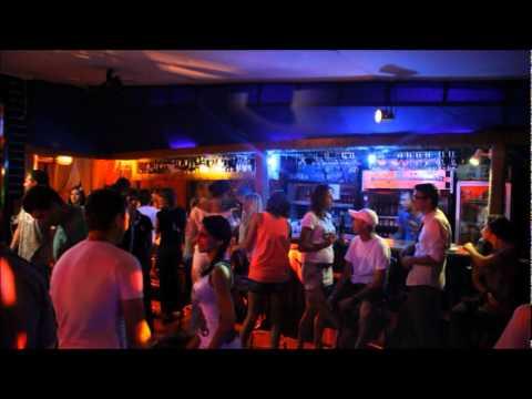 Ночной клуб мадагаскар стрептиз видео в ночных клубах москвы