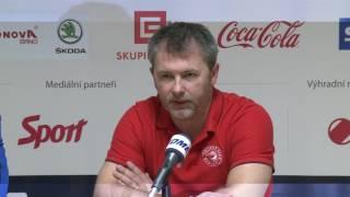 Trenéři Kamil Pokorný a René Mucha po zápase Kometa - Třinec 2:5 (24. 2. 2017)